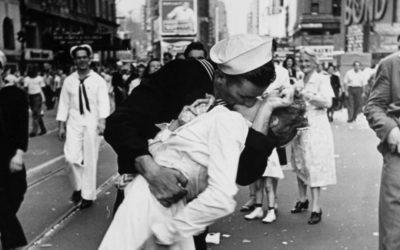 13 Abril, Día Mundial del Beso.