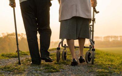 Ayudas para caminar; no andes solo.